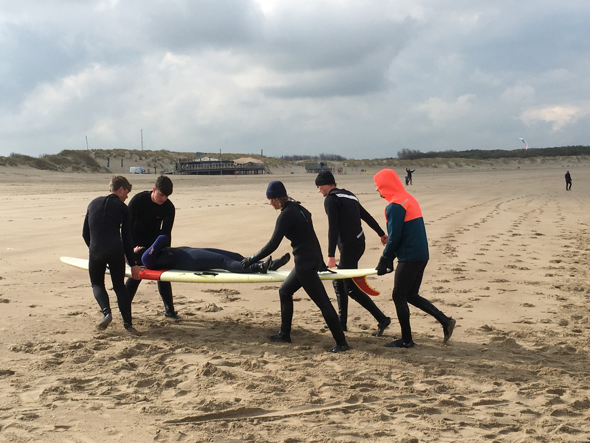 mbo4leisuresports-strand-surfboard-oefenen